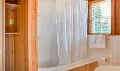 Sams-Room-Bath