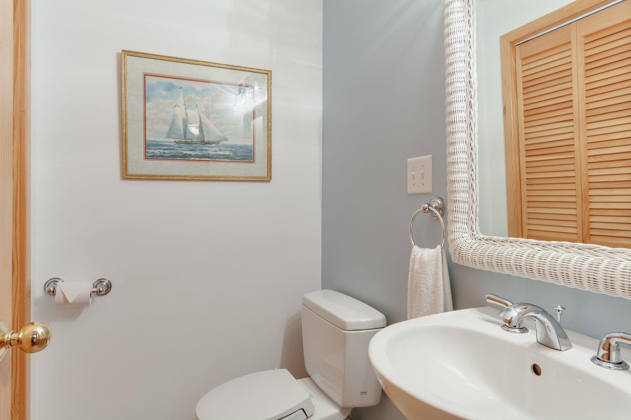 CV2A: Juniper A l Half Bath