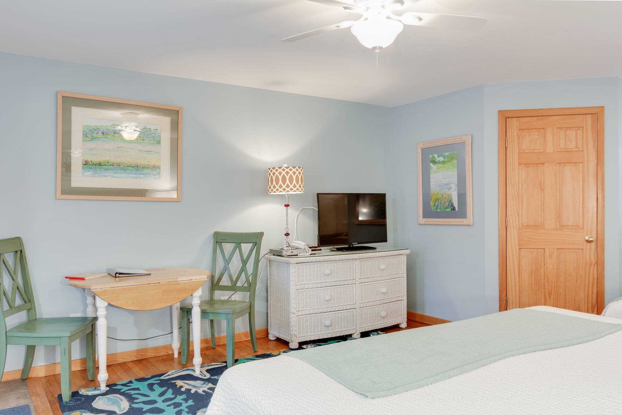 CV2B: Juniper B l Bedroom B