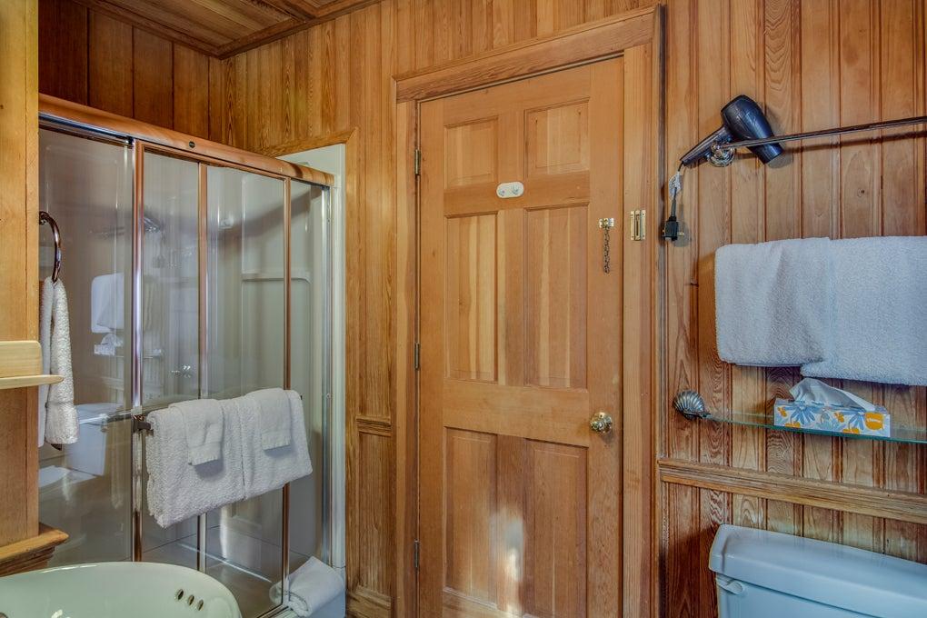 Patties-Room-Bath