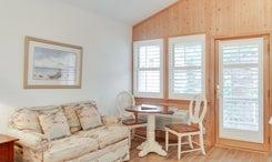 CV7B: North Point B l Bedroom B - Sitting Area