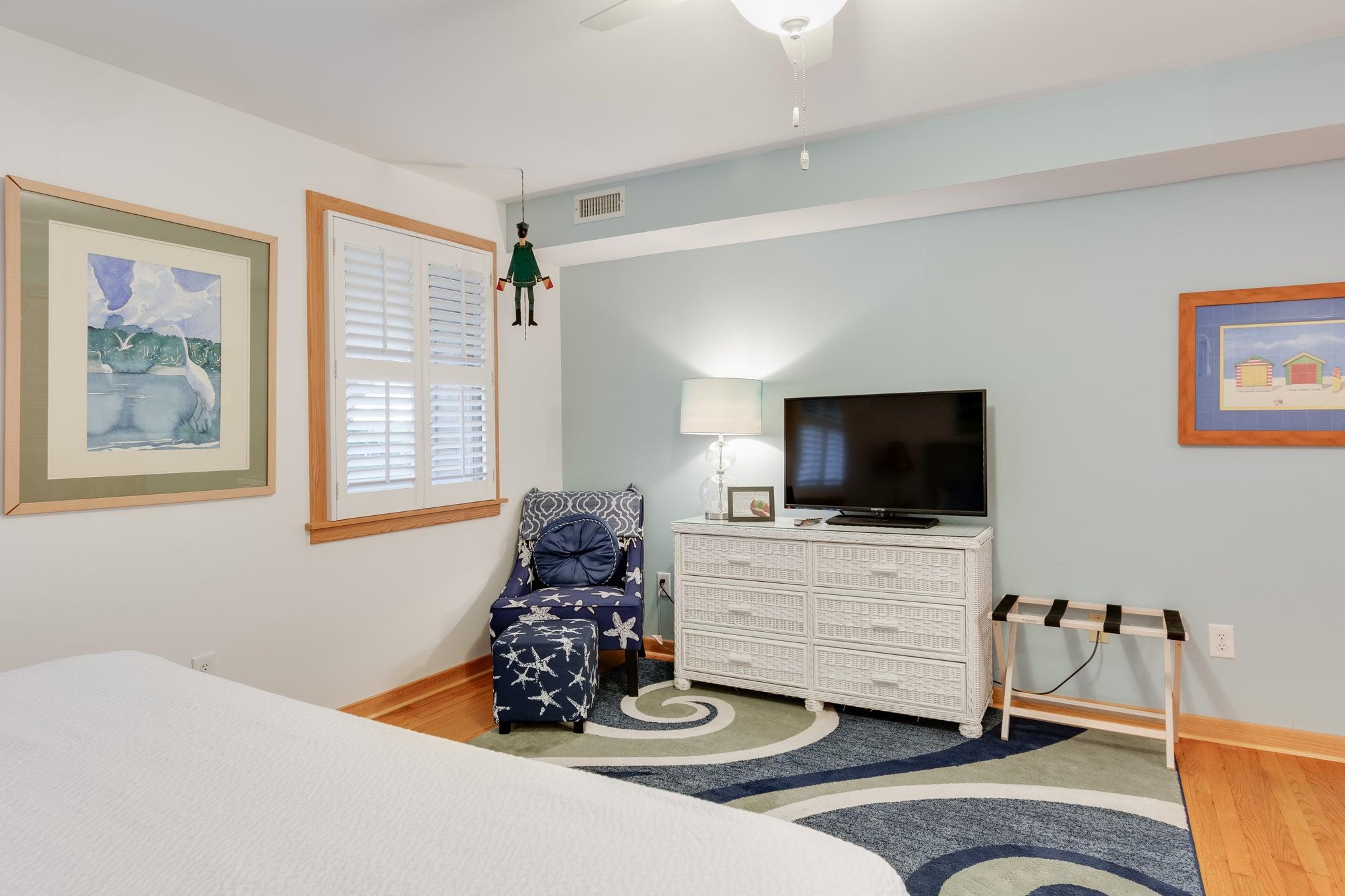 CV2A: Juniper A l King Bedroom A