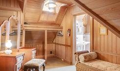 Harbor-Room - Dressing Room