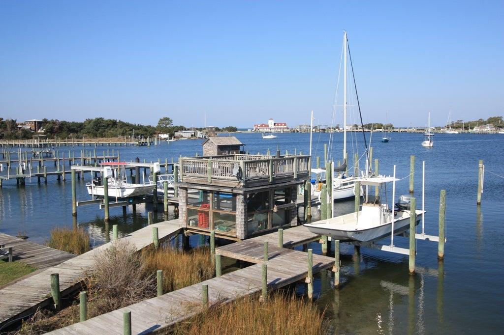 Community dockside deck